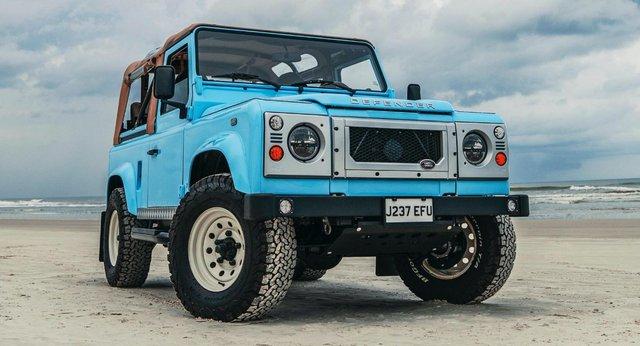 Автолюбителі переробили Land Rover в пляжний баггі: відео - фото 380744