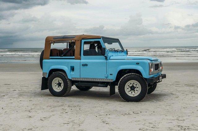 Автолюбителі переробили Land Rover в пляжний баггі: відео - фото 380747