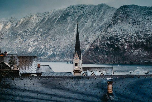 Фотограф показав неймовірне давнє місто в Австрії: захопливі кадри - фото 380776