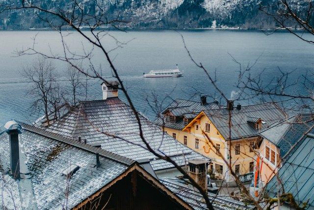 Фотограф показав неймовірне давнє місто в Австрії: захопливі кадри - фото 380778