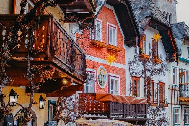 Фотограф показав неймовірне давнє місто в Австрії: захопливі кадри - фото 380782