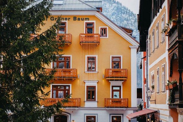 Фотограф показав неймовірне давнє місто в Австрії: захопливі кадри - фото 380783
