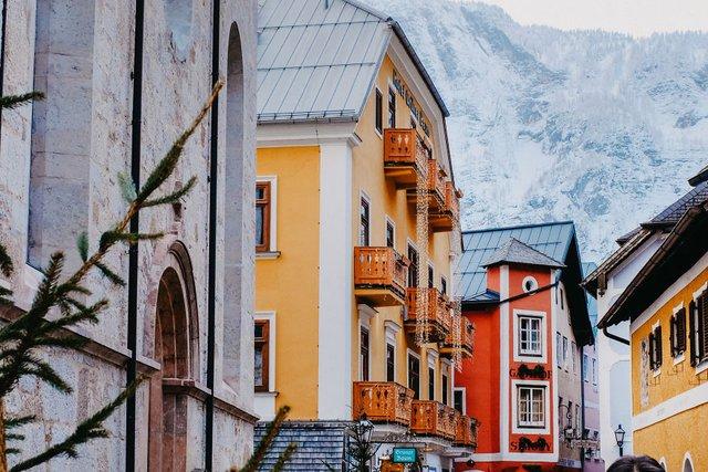 Фотограф показав неймовірне давнє місто в Австрії: захопливі кадри - фото 380785