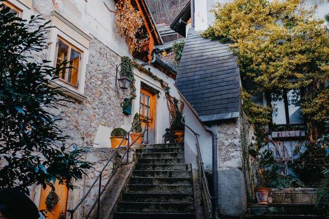 Фотограф показав неймовірне давнє місто в Австрії: захопливі кадри - фото 380787