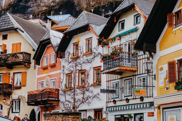 Фотограф показав неймовірне давнє місто в Австрії: захопливі кадри - фото 380792