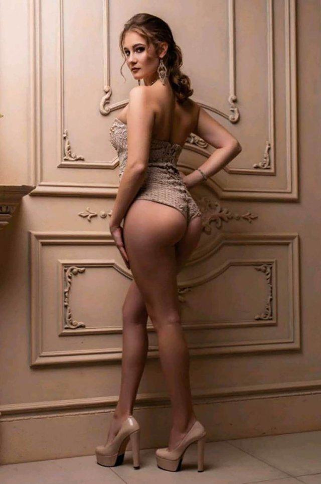 Ще одна українка захотіла продати свою цноту: гарячі фото - фото 381141