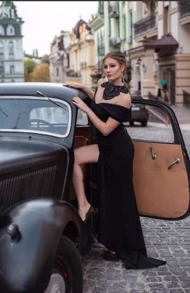 Ще одна українка захотіла продати свою цноту: гарячі фото - фото 381142