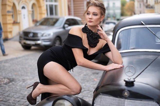 Ще одна українка захотіла продати свою цноту: гарячі фото - фото 381145