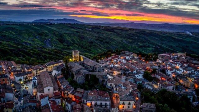 В Італії розпродають будинки по одному євро - фото 381326