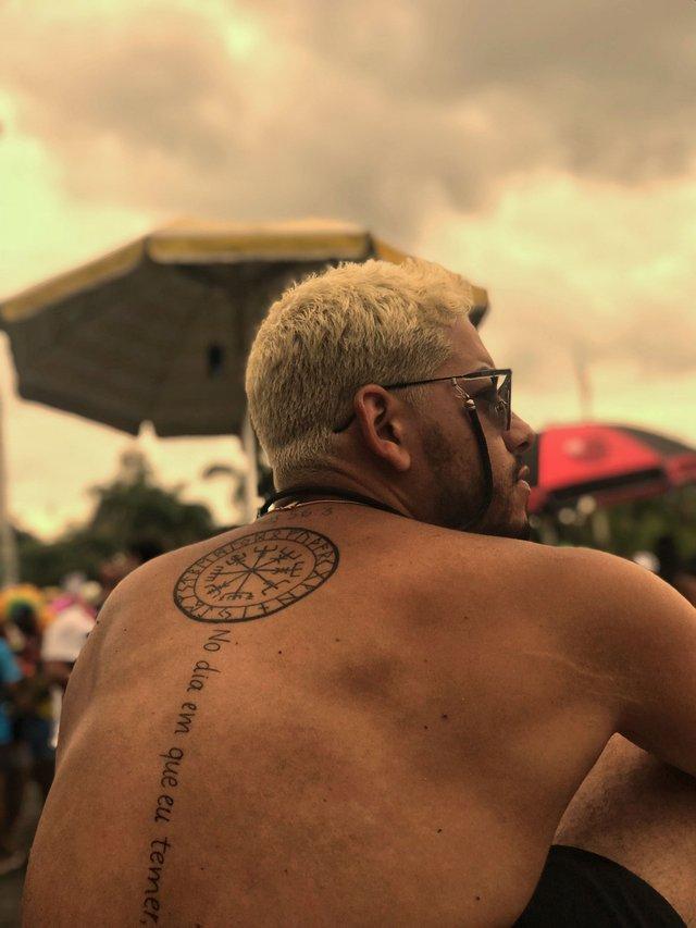 Модні чоловічі татуювання 2020: ТОП 50 ідей та прикладів тату у фото - фото 381573