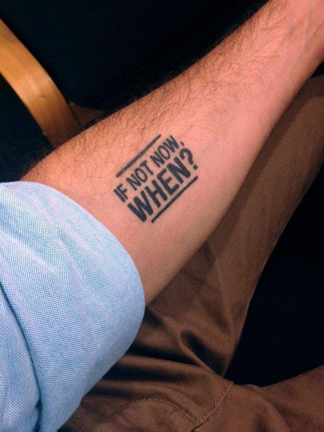 Модні чоловічі татуювання 2020: ТОП 50 ідей та прикладів тату у фото - фото 381588