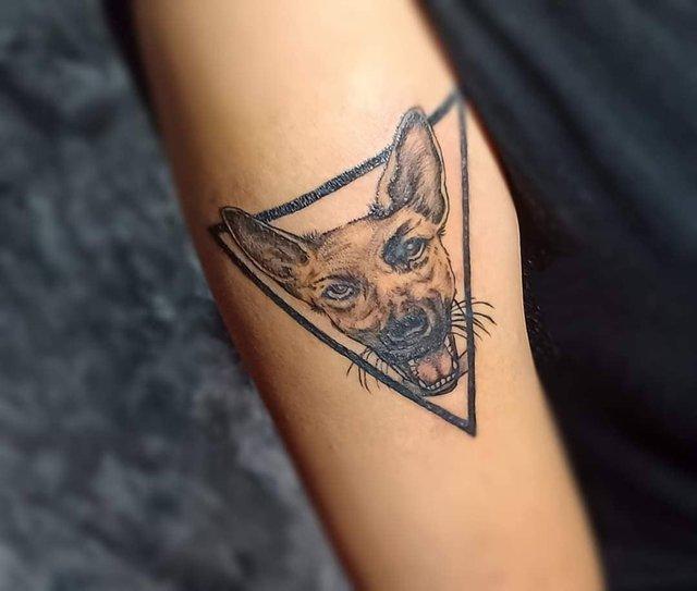 Модні чоловічі татуювання 2020: ТОП 50 ідей та прикладів тату у фото - фото 381618