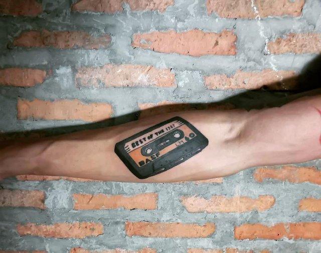 Модні чоловічі татуювання 2020: ТОП 50 ідей та прикладів тату у фото - фото 381630