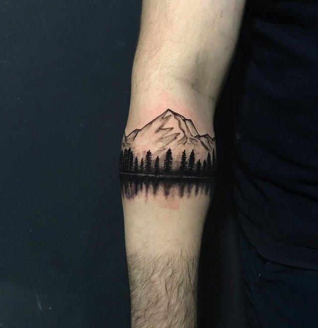 Модні чоловічі татуювання 2020: ТОП 50 ідей та прикладів тату у фото - фото 381633