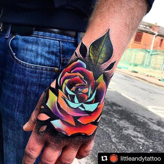Модні чоловічі татуювання 2020: ТОП 50 ідей та прикладів тату у фото - фото 381638