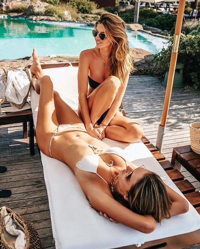 Сексуальна русалка: Алессандра Амброзіо показала фото в воді - фото 381828