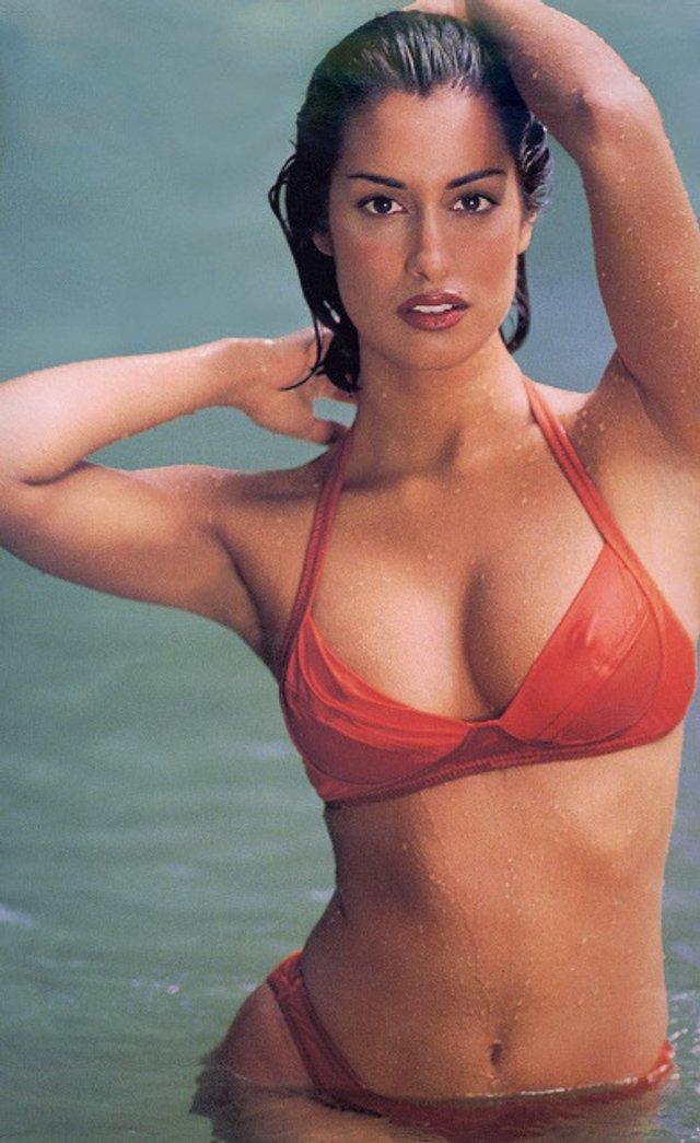 Моделі 90-х: як змінилася східна принцеса Ясмін Гаурі (18+) - фото 381939