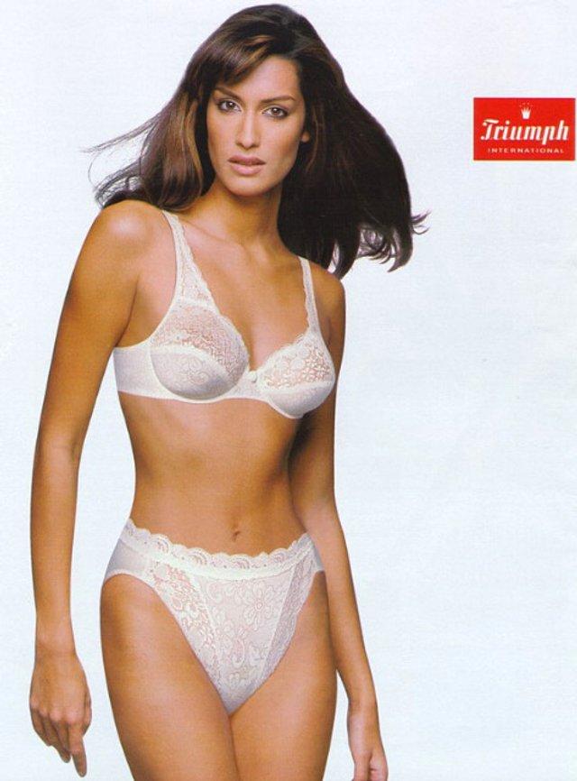Моделі 90-х: як змінилася східна принцеса Ясмін Гаурі (18+) - фото 381940