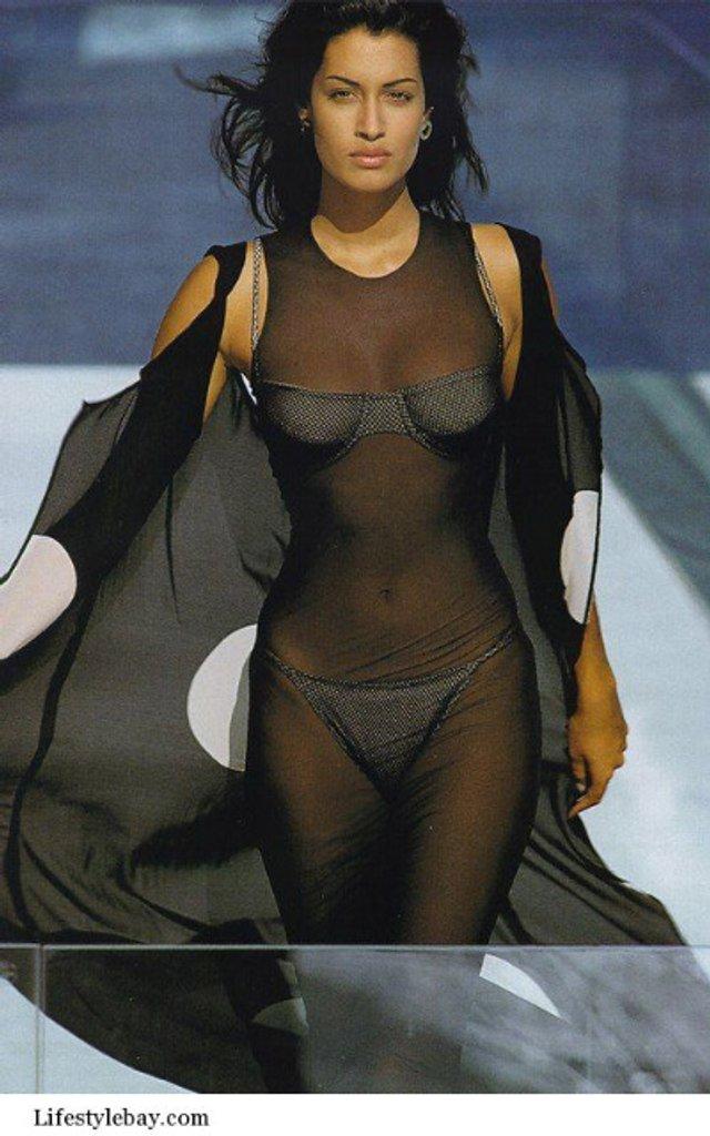 Моделі 90-х: як змінилася східна принцеса Ясмін Гаурі (18+) - фото 381943
