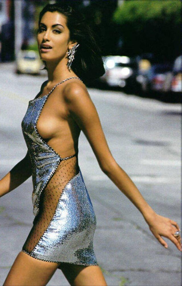 Моделі 90-х: як змінилася східна принцеса Ясмін Гаурі (18+) - фото 381946