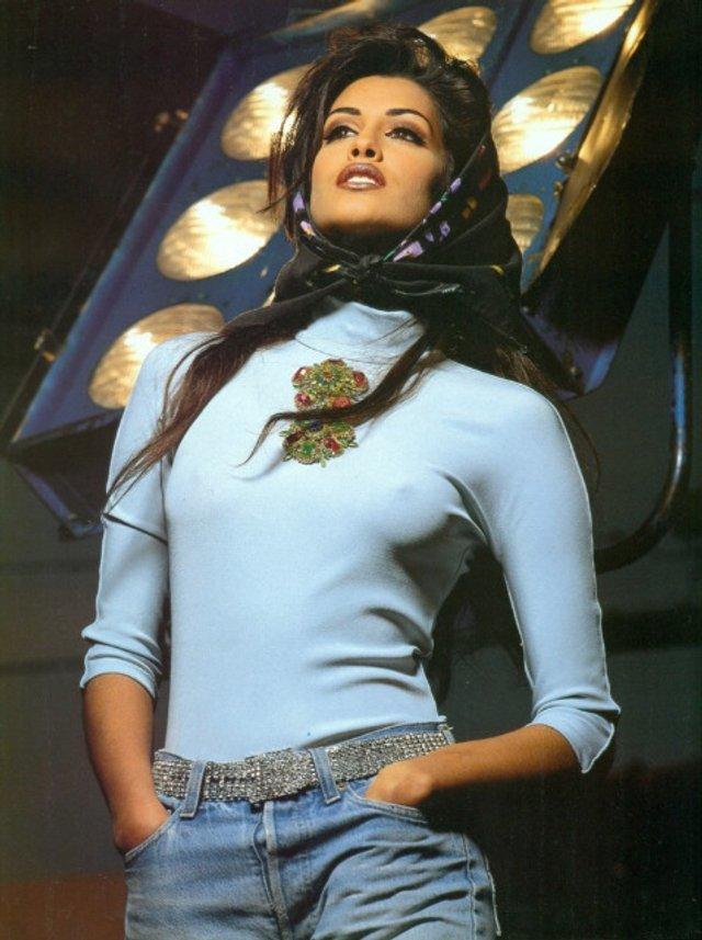 Моделі 90-х: як змінилася східна принцеса Ясмін Гаурі (18+) - фото 381973