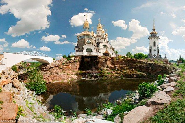 День закоханих в Україні: ідеї для романтичної подорожі - фото 383822