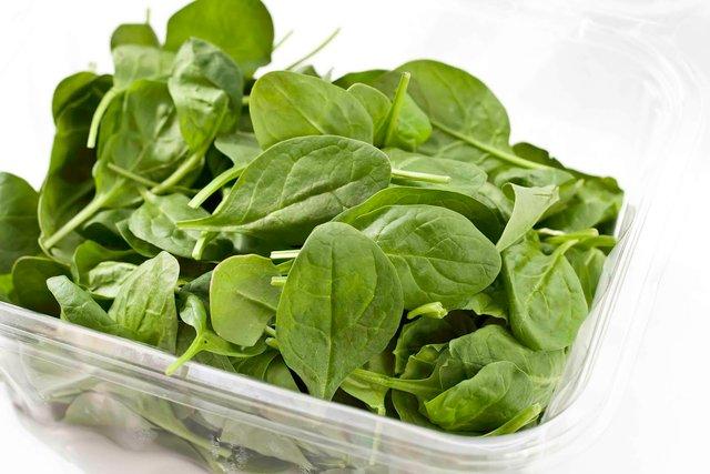 Названі найкорисніші види зелені і овочів - фото 383891
