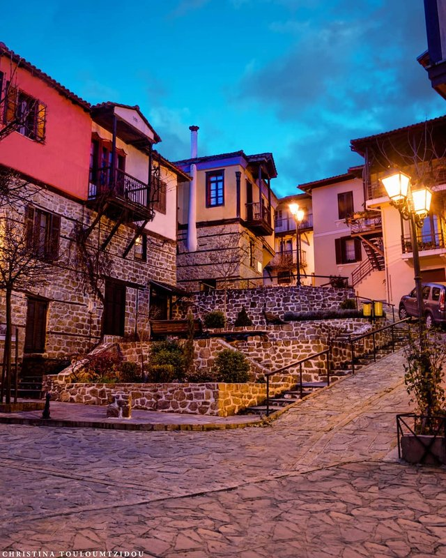 Як виглядає життя у Греції: яскраві вуличні фото - фото 383969