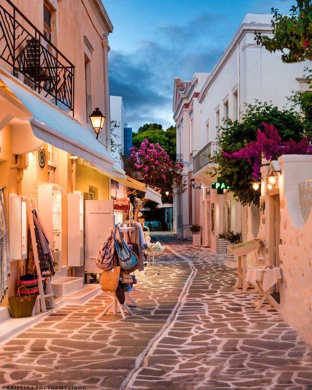 Як виглядає життя у Греції: яскраві вуличні фото - фото 383970