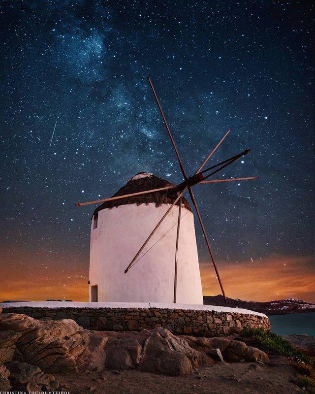 Як виглядає життя у Греції: яскраві вуличні фото - фото 383979