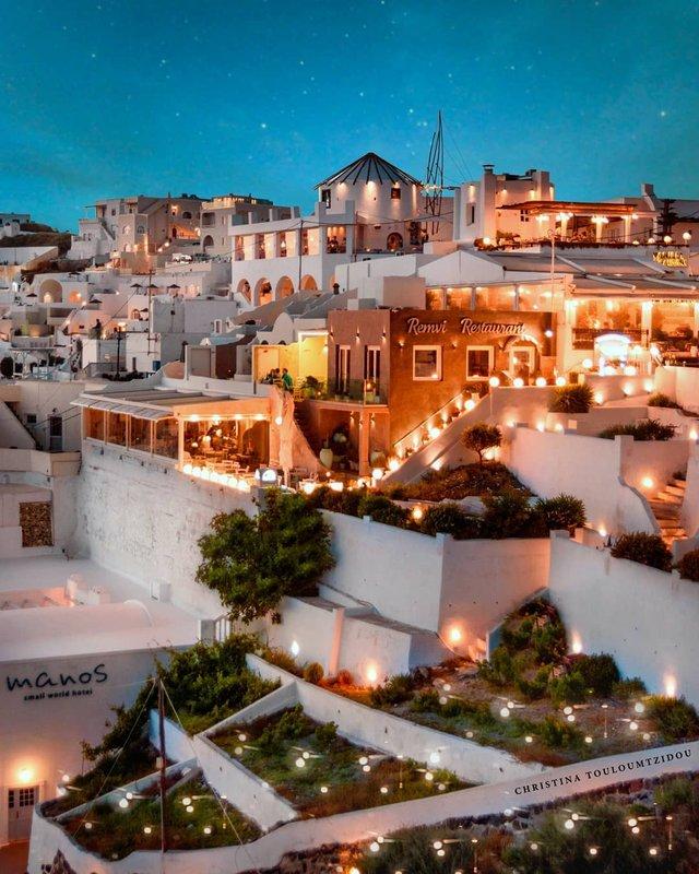 Як виглядає життя у Греції: яскраві вуличні фото - фото 383980