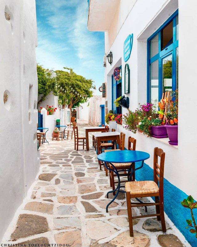 Як виглядає життя у Греції: яскраві вуличні фото - фото 383983