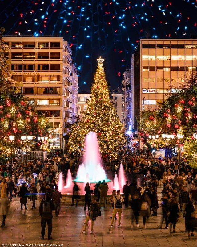 Як виглядає життя у Греції: яскраві вуличні фото - фото 383988