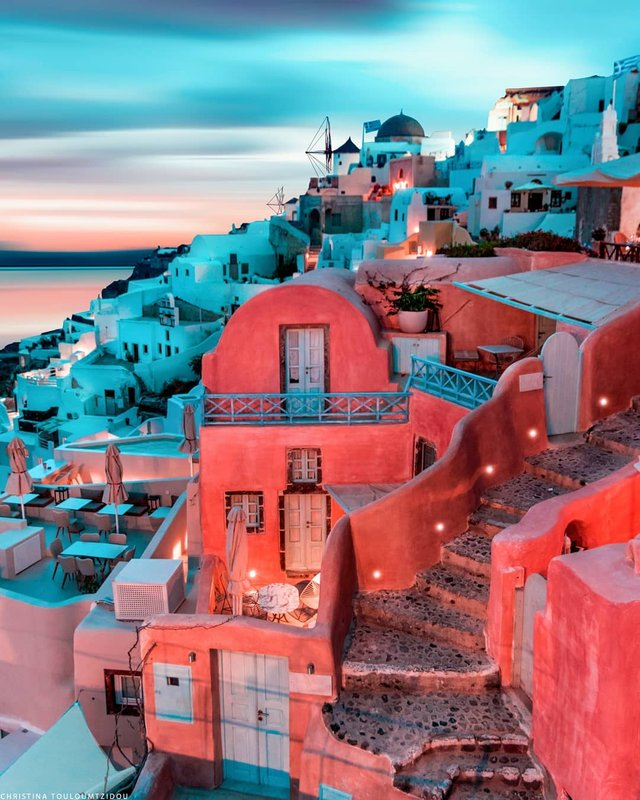 Як виглядає життя у Греції: яскраві вуличні фото - фото 383991