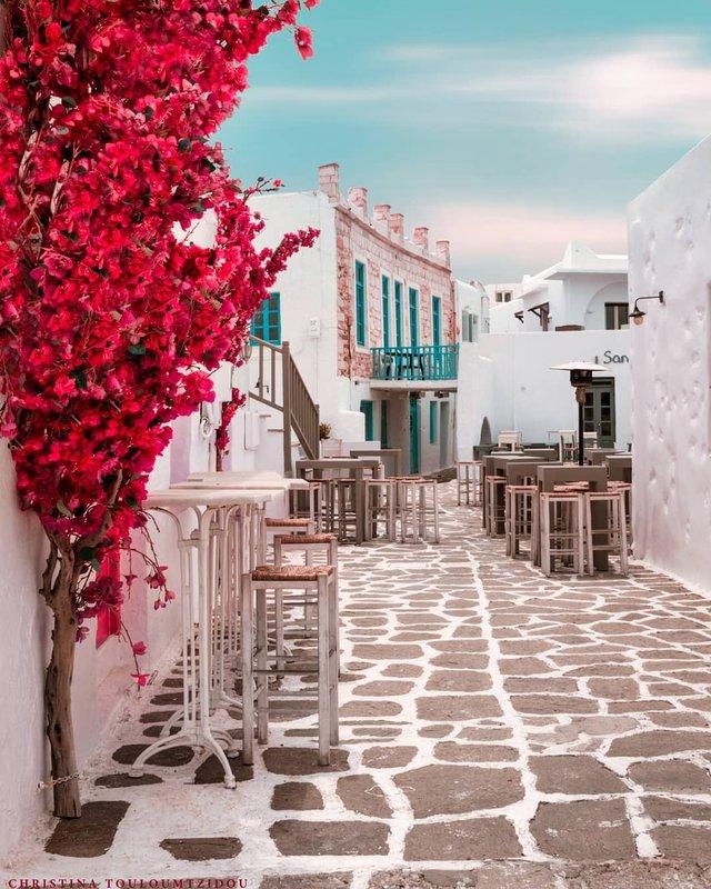 Як виглядає життя у Греції: яскраві вуличні фото - фото 383992