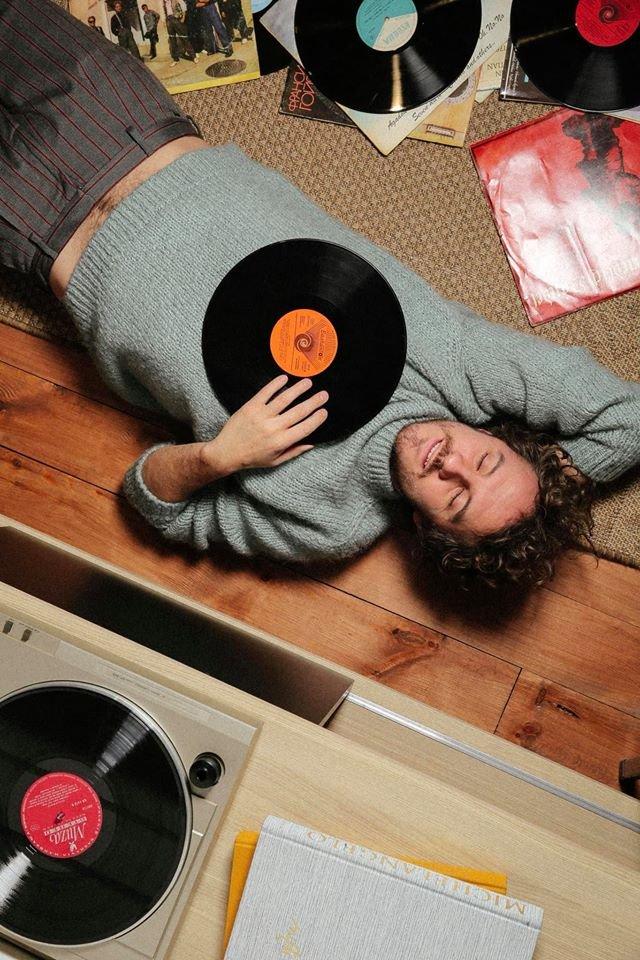 Слухай українське: 162 пісні молодих артистів, які варто додати у плейлист - фото 385471