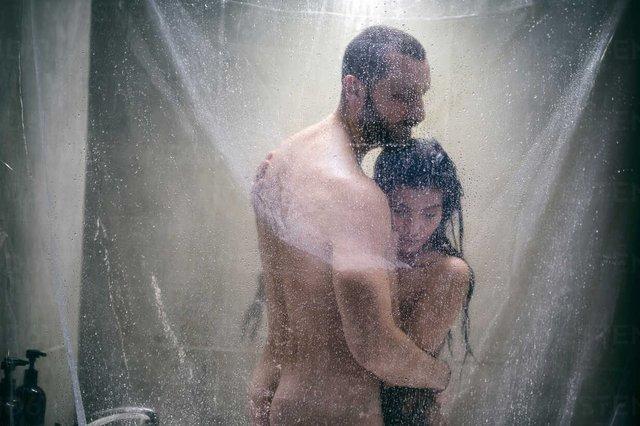 Пам'ятайте про те, що ванна або душ – слизькі - фото 385688