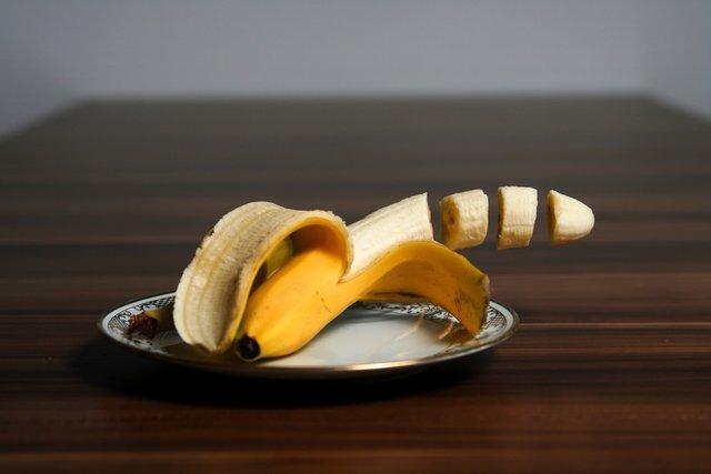 Чому не можна снідати бананами - фото 385707