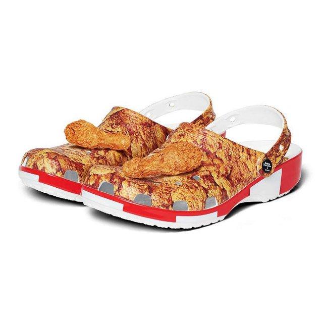 KFC і Crocs випустили взуття зі смаженою курочкою, яке ще й пахне - фото 385872