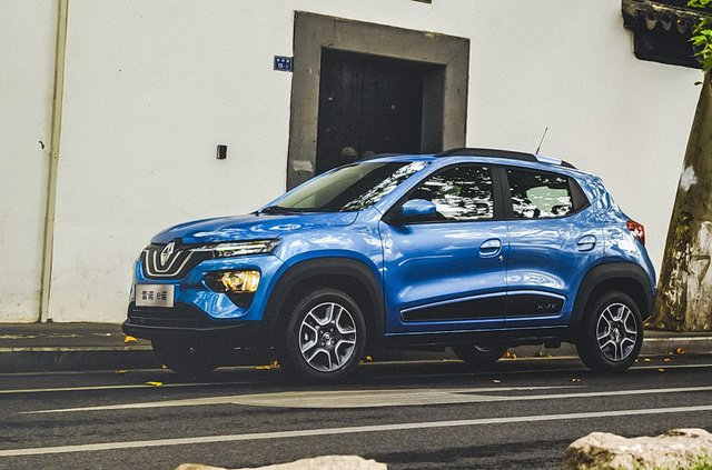 Renault випустить бюджетний електромобіль - фото 386027