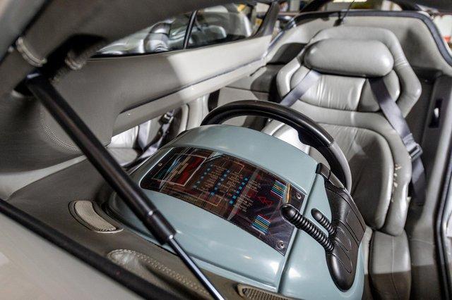 З молотка піде футуристичний автомобіль з двома кабінами - фото 386137