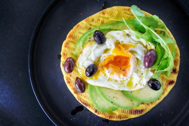 Що входить до правильного сніданку - фото 386320