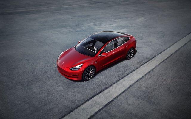 Компанії-конкуренти відстають від Tesla на 6 років - фото 386773