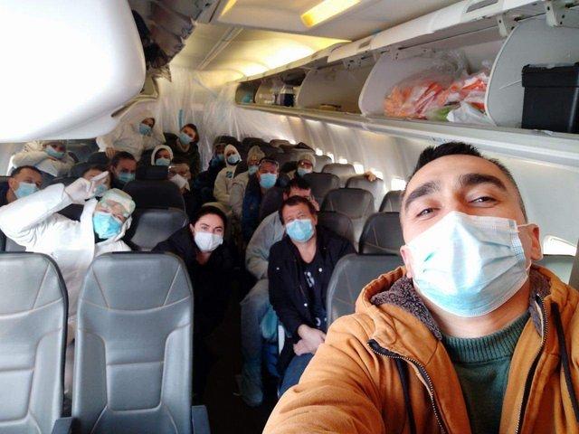 Фото евакуйованих українців - фото 387199