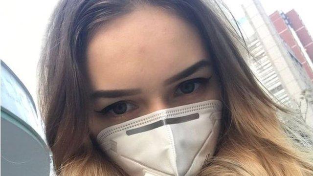 Вікторії погрожують через її повернення з Китаю - фото 387207