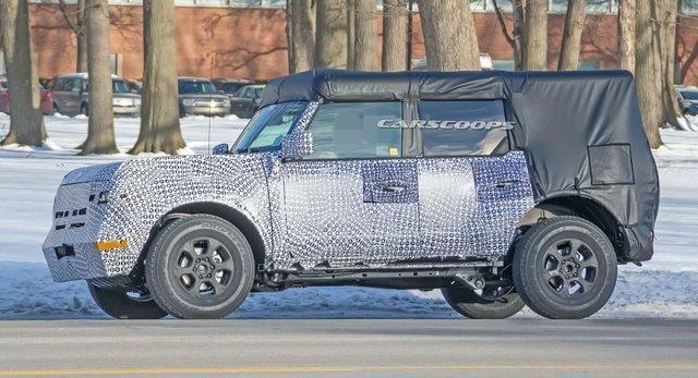Ford представить новий потужний Bronco Sport 2021 - фото 387218