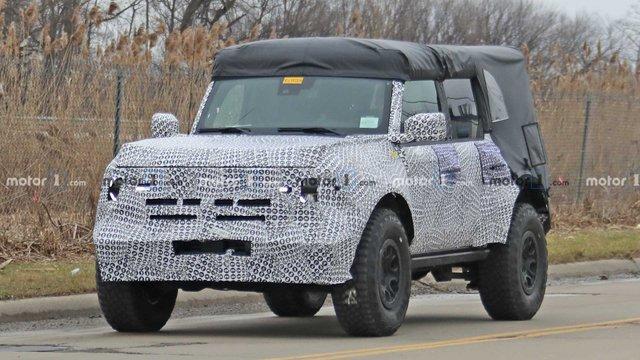 Ford представить новий потужний Bronco Sport 2021 - фото 387219