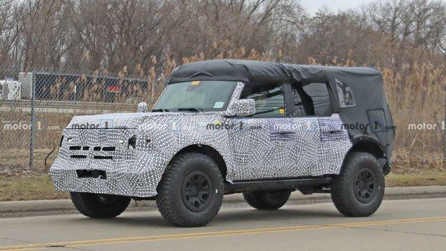 Ford представить новий потужний Bronco Sport 2021 - фото 387220