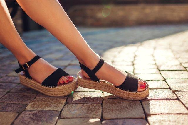 Яке взуття буде в моді весною 2020 року - фото 387482