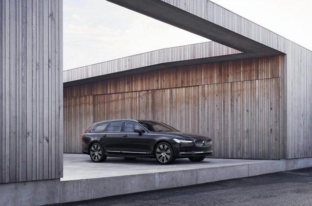 Volvo оновила седан і універсал 90 серії: що змінилося - фото 387525